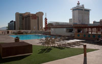 Plaza_HotelServices_Pool