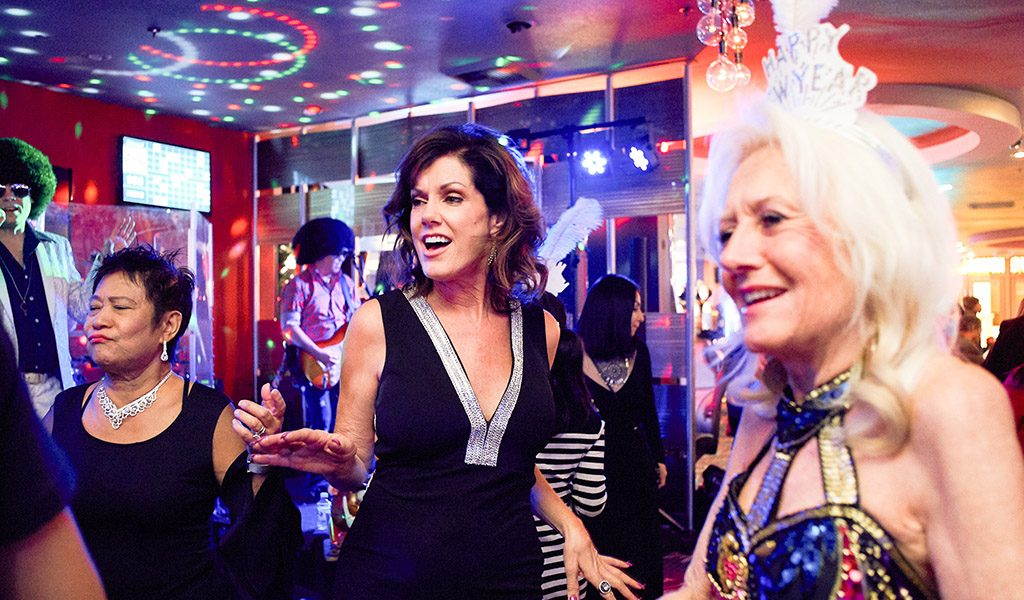 Women dancing at Omaha Lounge in Plaza Hotel Las Vegas during NYE 2019